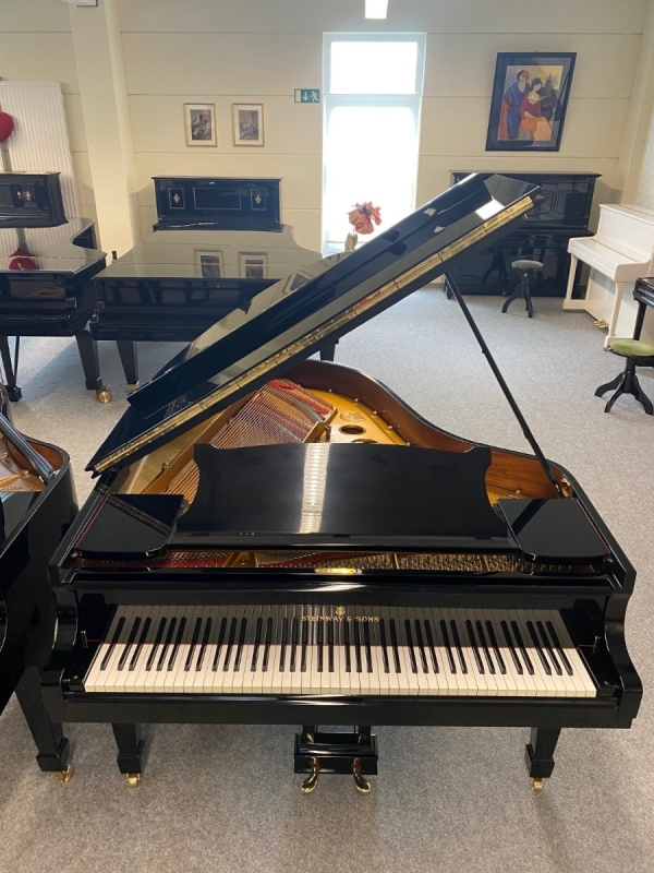 Steinway & Sons O, 180 cm, Bj. ca. 1968 (HH)
